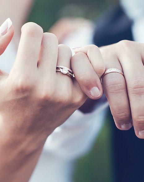 Ehering mit Verlobungsring kombinieren